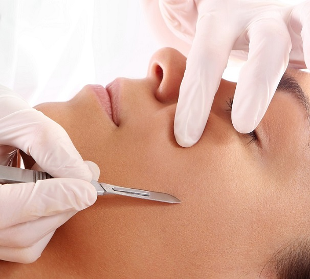DERMAPLANING & PHOTOTHERAPY